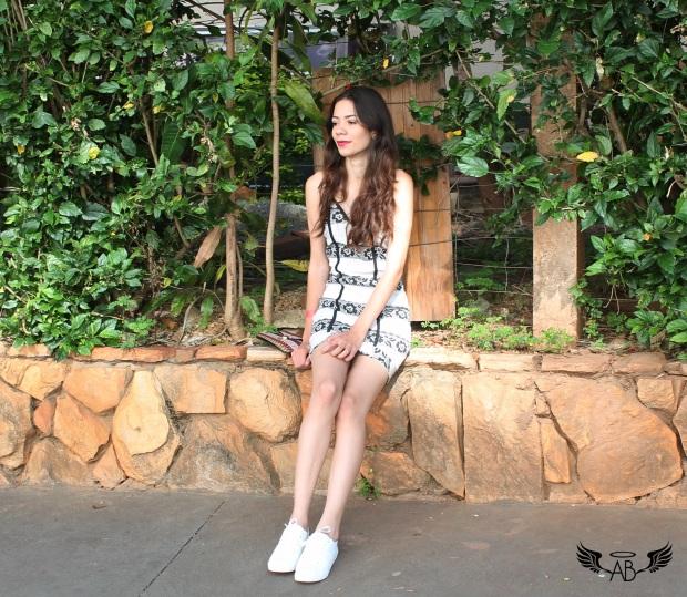 vestido branco e preto