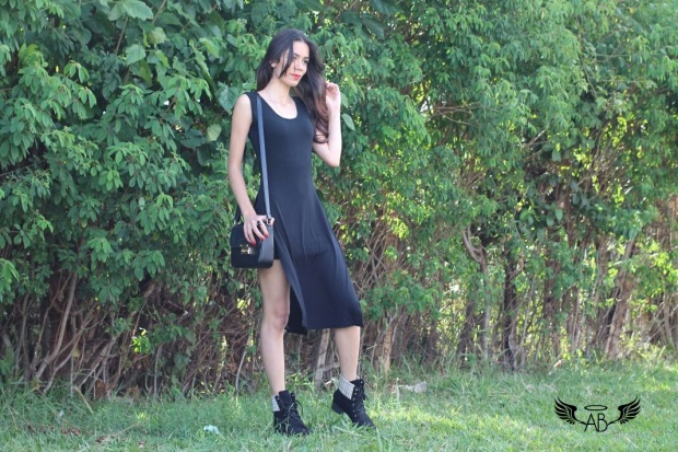 vestido preto e bota 5