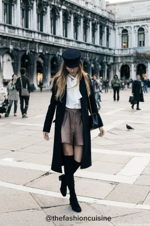 Vintage-sailor-hat-white-bow-blouse-leather-shorts-suede-over-the-knee-boots-parisian-style-san-marco-venice-tumblr-girl-1